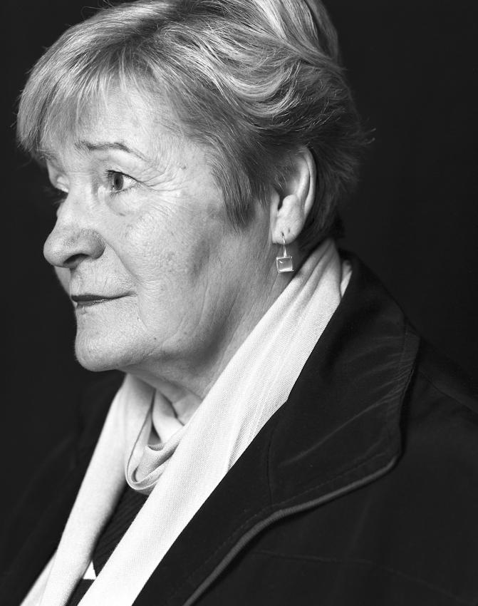 Portraitaufnahme am 07.05.2010 von Renate Bress aus Dortmund eine der Pionierinnen des deutschen Frauenfussballs. 1955 war sie zusammen mit Anne Droste eines der Gründungsmitglieder des Damenfussballvereins Fortuna Dortmund.