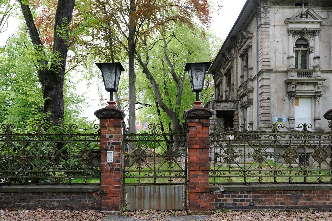 Ehemalige Kindertagesstätte am Stadtpark in der Janickestraße. Das Gebäude war ursprünglich eine von vielen Fabrikantenvillen, die hier oft direkt neben den Fabrikgebäuden gebaut wurden.