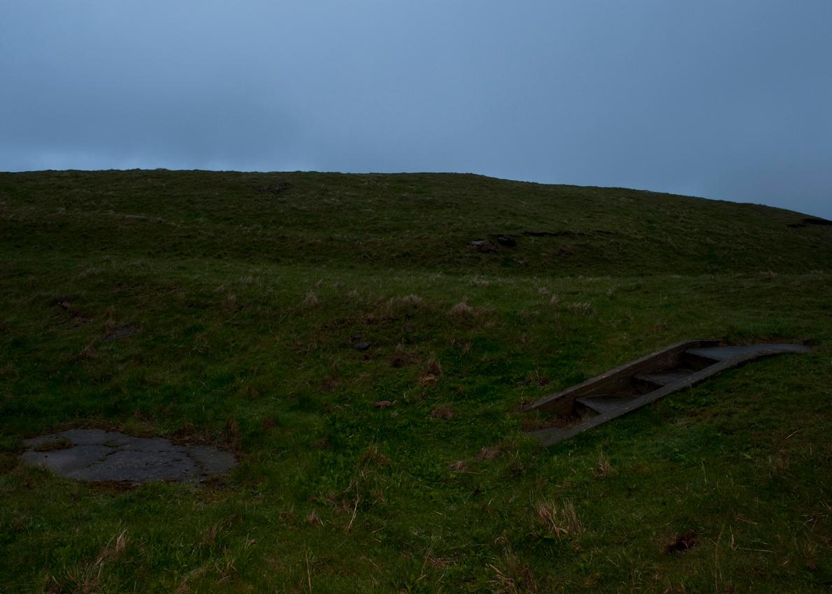 Helgoland, Land & Leute: Reste der ehemaligen Bunkeranlagen auf dem Oberland der Insel Helgoland