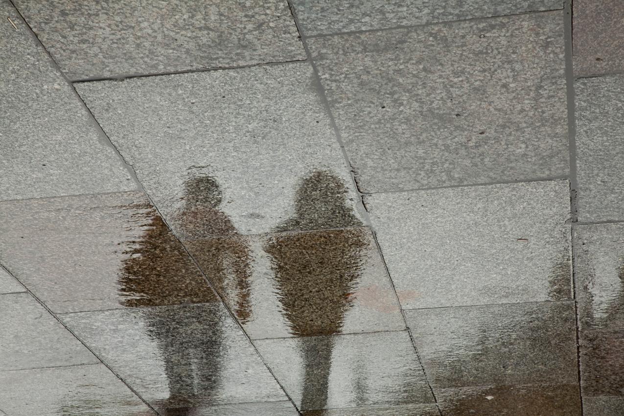 Domplatte, Besucher auf den Weg zum Eingang.