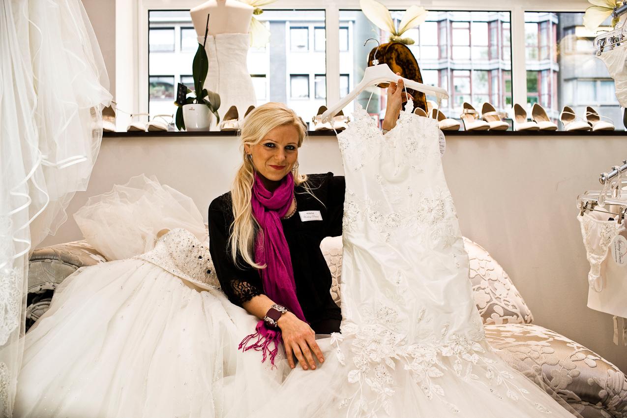 """""""Die gute Fee der Bräute"""" Frau Mirka Zuk zeigt Bräuten was am wichtigsten Tag der Frau angesagt ist."""
