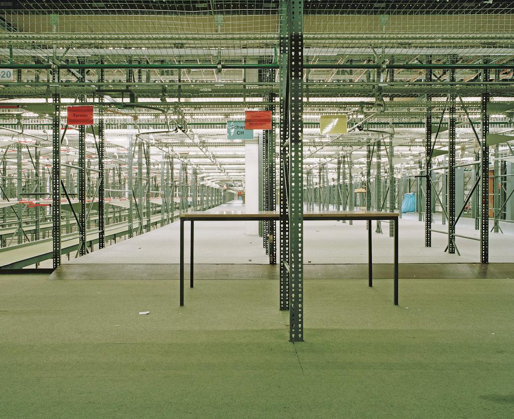 Hängeversandlager des Versandhauses Quelle. Hier hatten bis zu 1 Millionen Kleidungsstücke Platz.