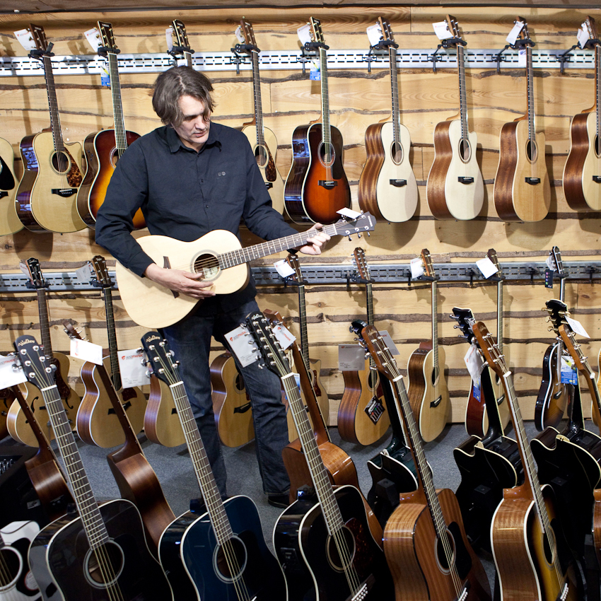 """Ein Tag mit Frank Spilker (Die Sterne)"" Frank Spilker im Musik Fachladen Just Music im Bunker an der Feldstrasse."