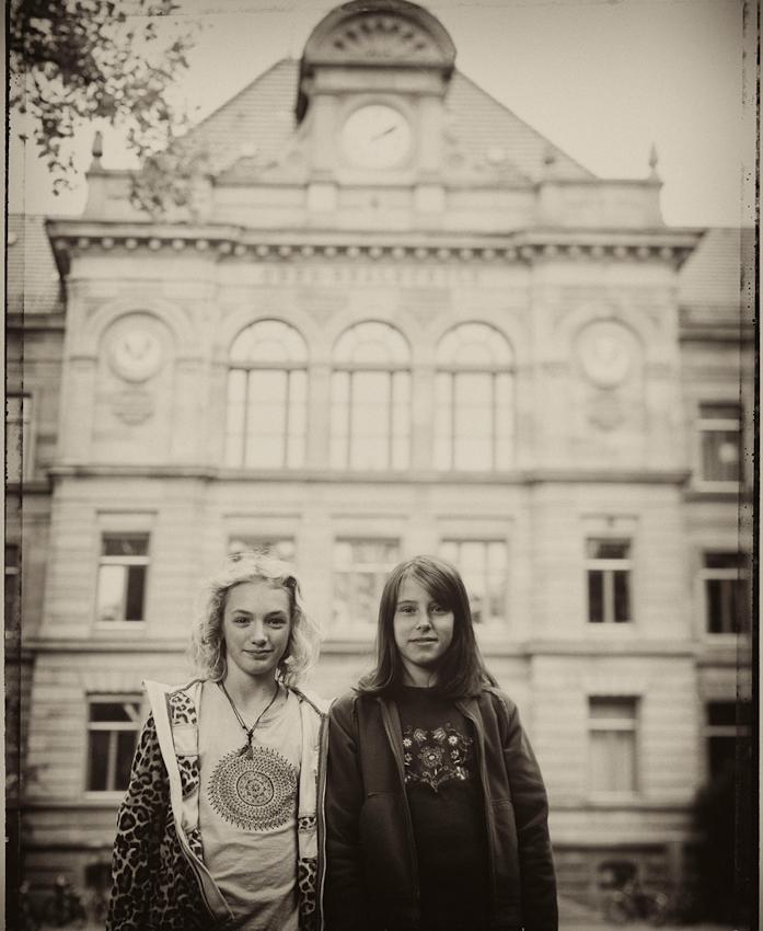 Vera (11) und Vivien (12 Jahre alt). Auch sie finden an der Schule am besten, dass sie hier ihre Freundinnen sehen köonnen. Vera möchte Meeresbiologin werden.