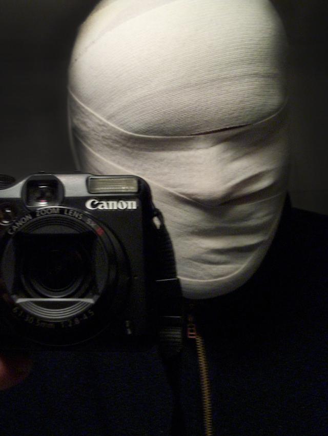 23:34 Uhr - Selbstportrait eines blinden Fotografen.