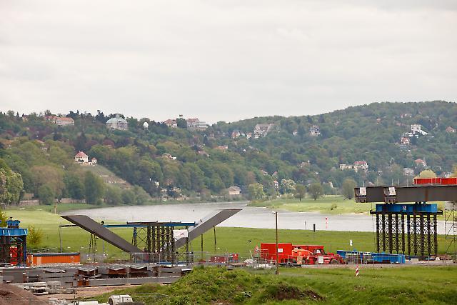 Waldschlößchenbrücke 2