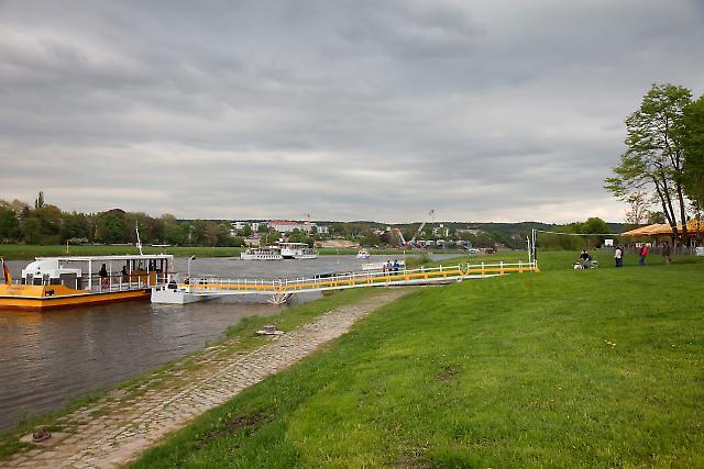 Waldschlößchenbrücke 7