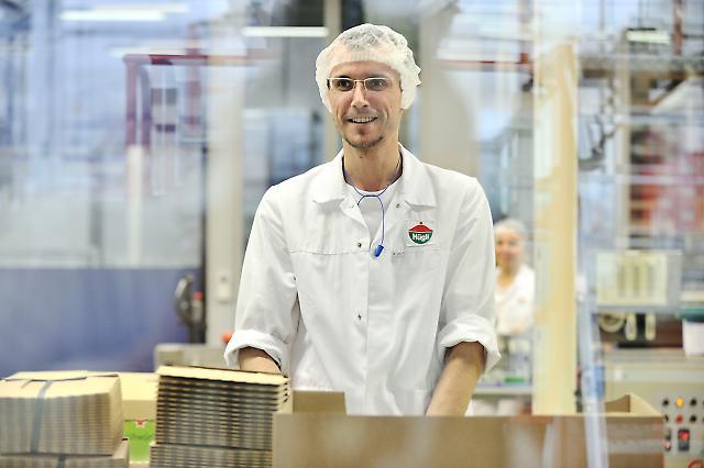 In der Nahrungsmittelfabrik 9